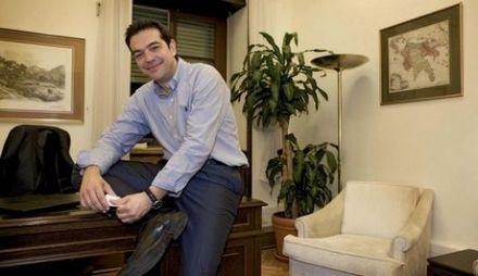 Ο πρόεδρος της Κ.Ο. Αλέξης Τσίπρας παραχώρησε συνέντευξη στην εφημερίδα «ΕΠΕΝΔΥΤΗΣ»